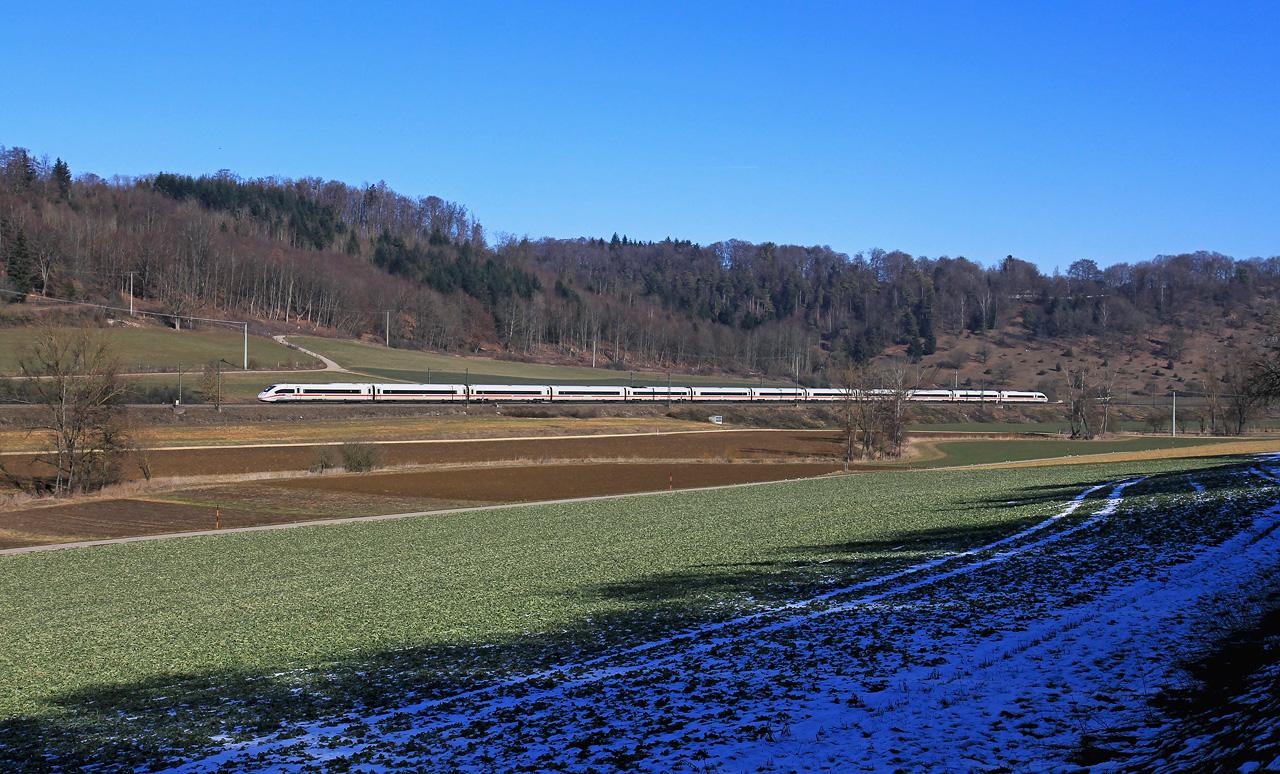 http://www.badische-schwarzwaldbahn.de/DSO/B380.jpg