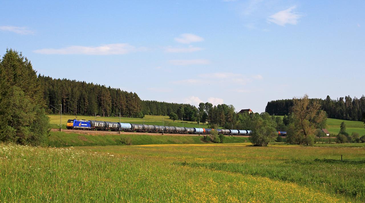http://www.badische-schwarzwaldbahn.de/DSO/B392.jpg