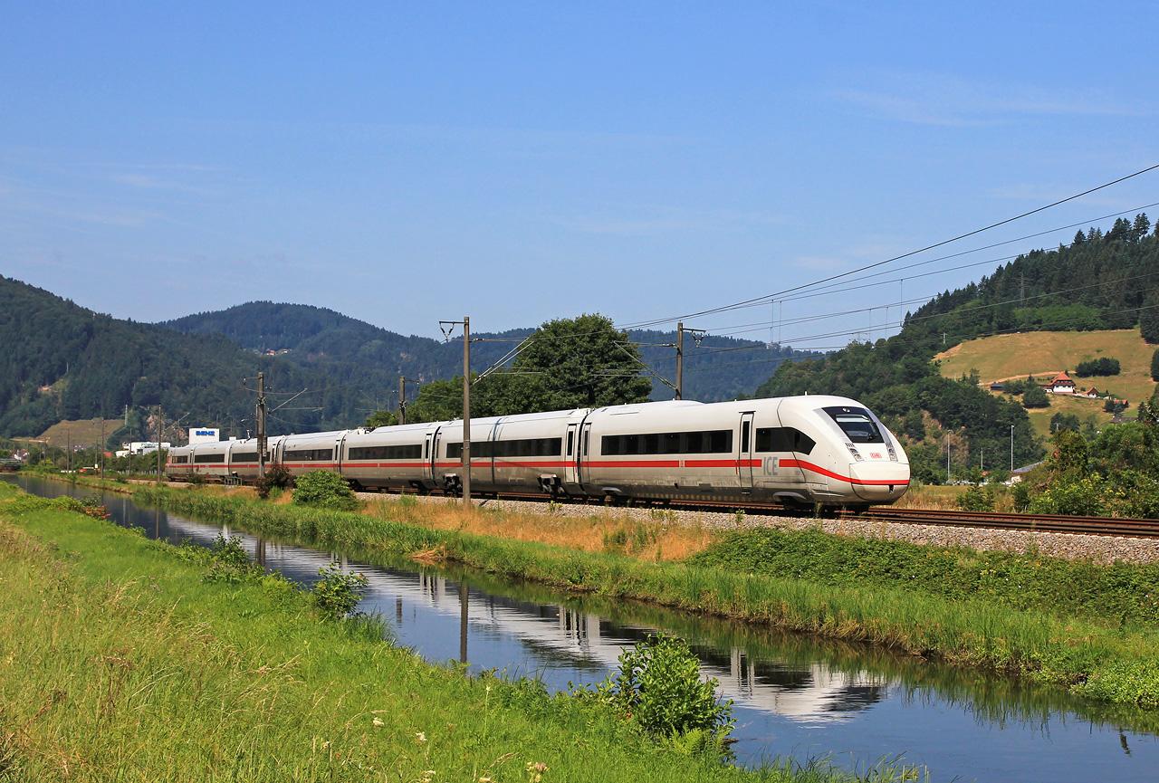 http://www.badische-schwarzwaldbahn.de/DSO/B413.jpg