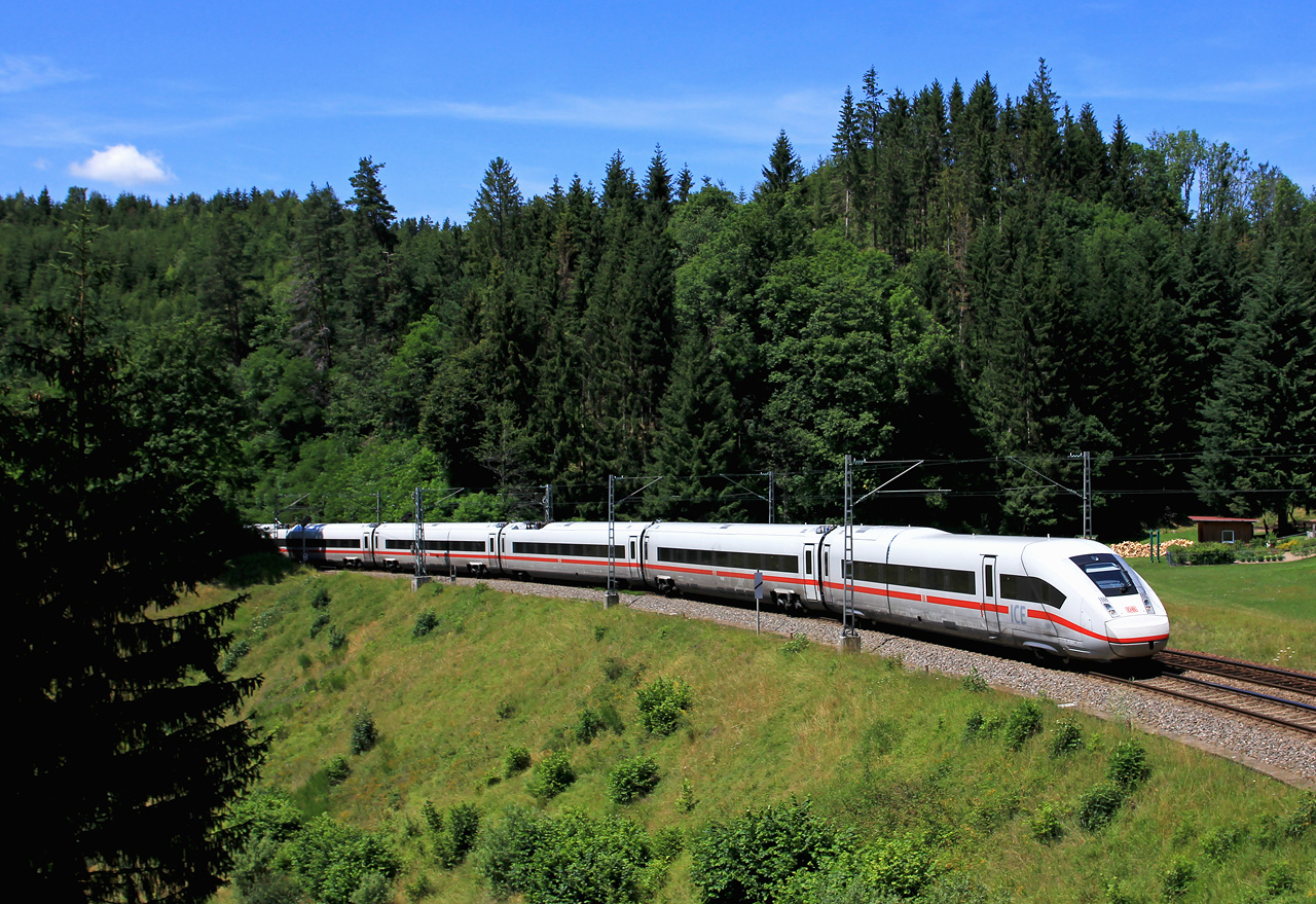 http://www.badische-schwarzwaldbahn.de/DSO/B416.jpg