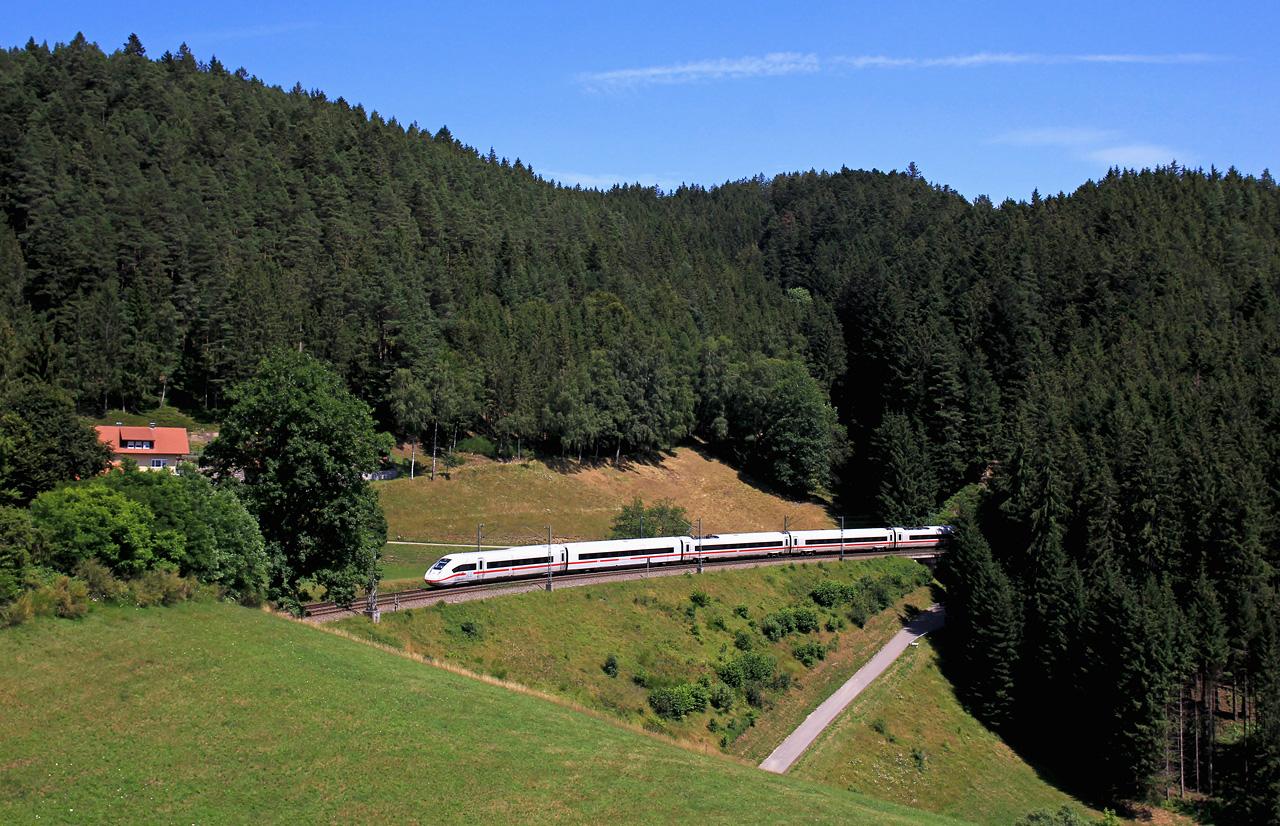 http://www.badische-schwarzwaldbahn.de/DSO/B417.jpg