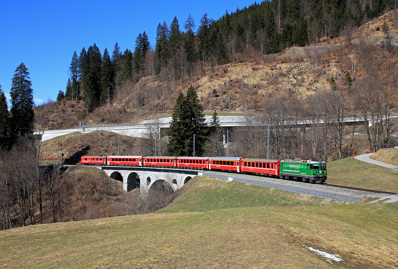 http://www.badische-schwarzwaldbahn.de/DSO/B456.jpg