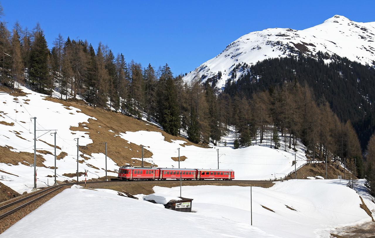 http://www.badische-schwarzwaldbahn.de/DSO/B457.jpg