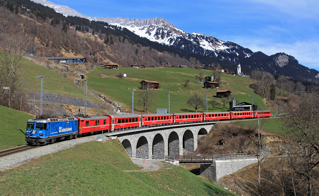 http://www.badische-schwarzwaldbahn.de/DSO/B460.jpg