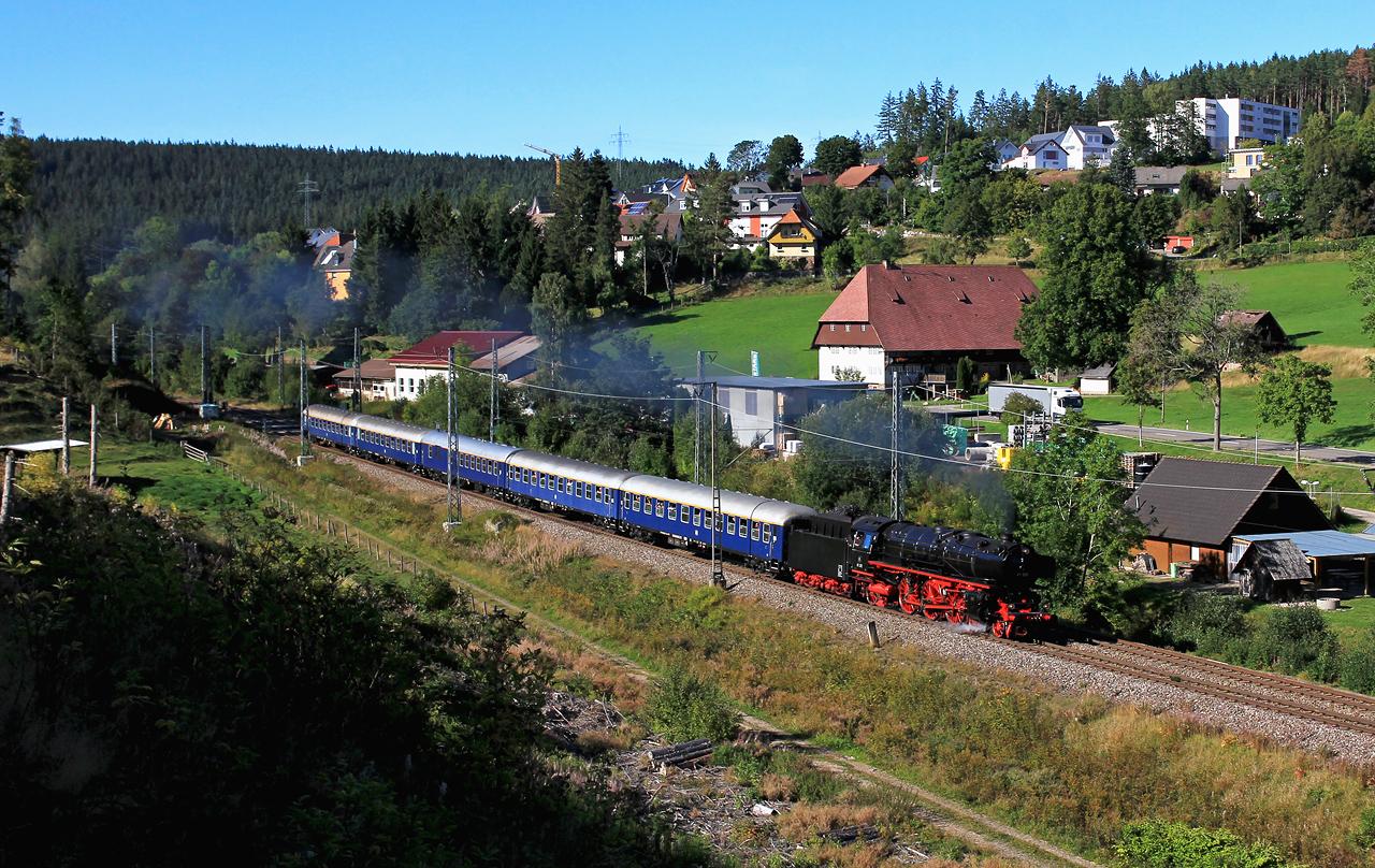 http://www.badische-schwarzwaldbahn.de/DSO/B472.jpg