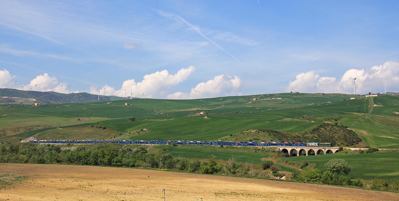 http://www.badische-schwarzwaldbahn.de/DSO/B518.jpg