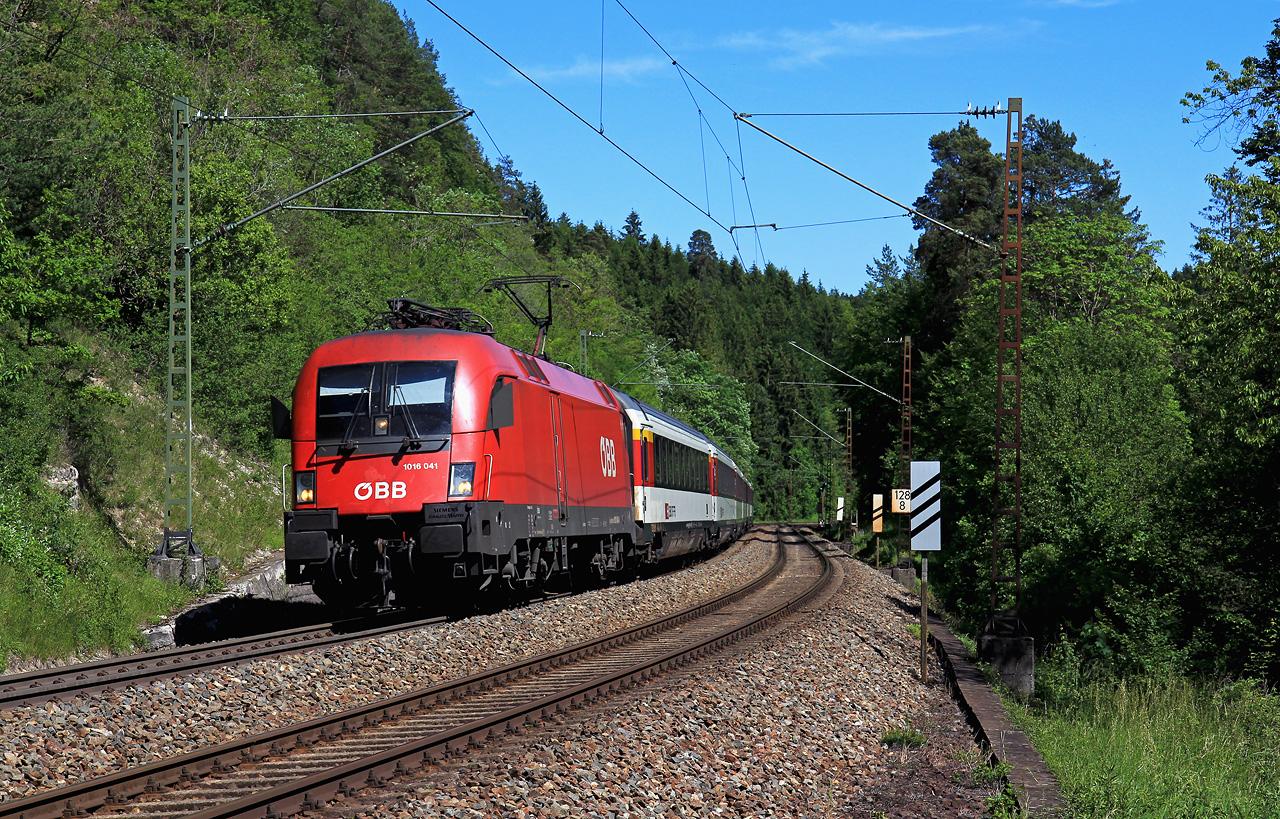 http://www.badische-schwarzwaldbahn.de/DSO/B603.jpg