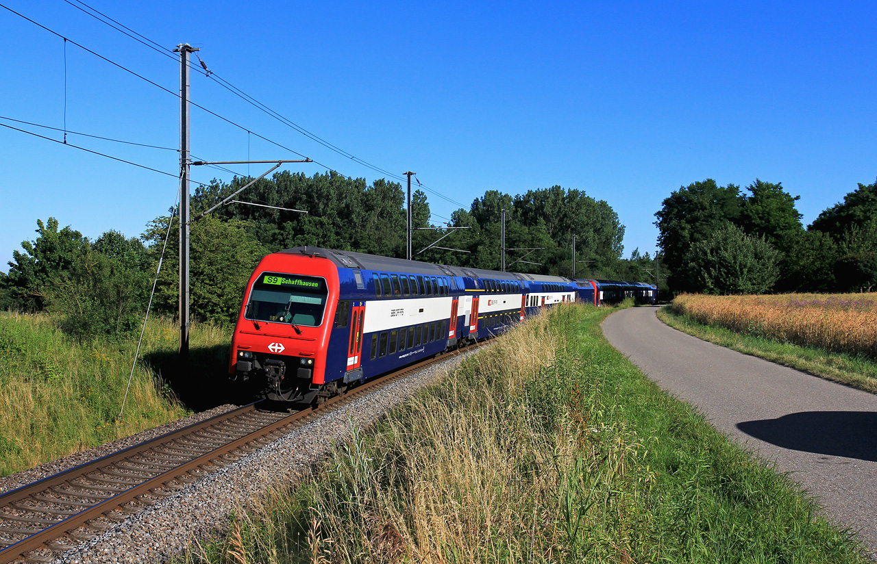 http://www.badische-schwarzwaldbahn.de/DSO/B664.jpg