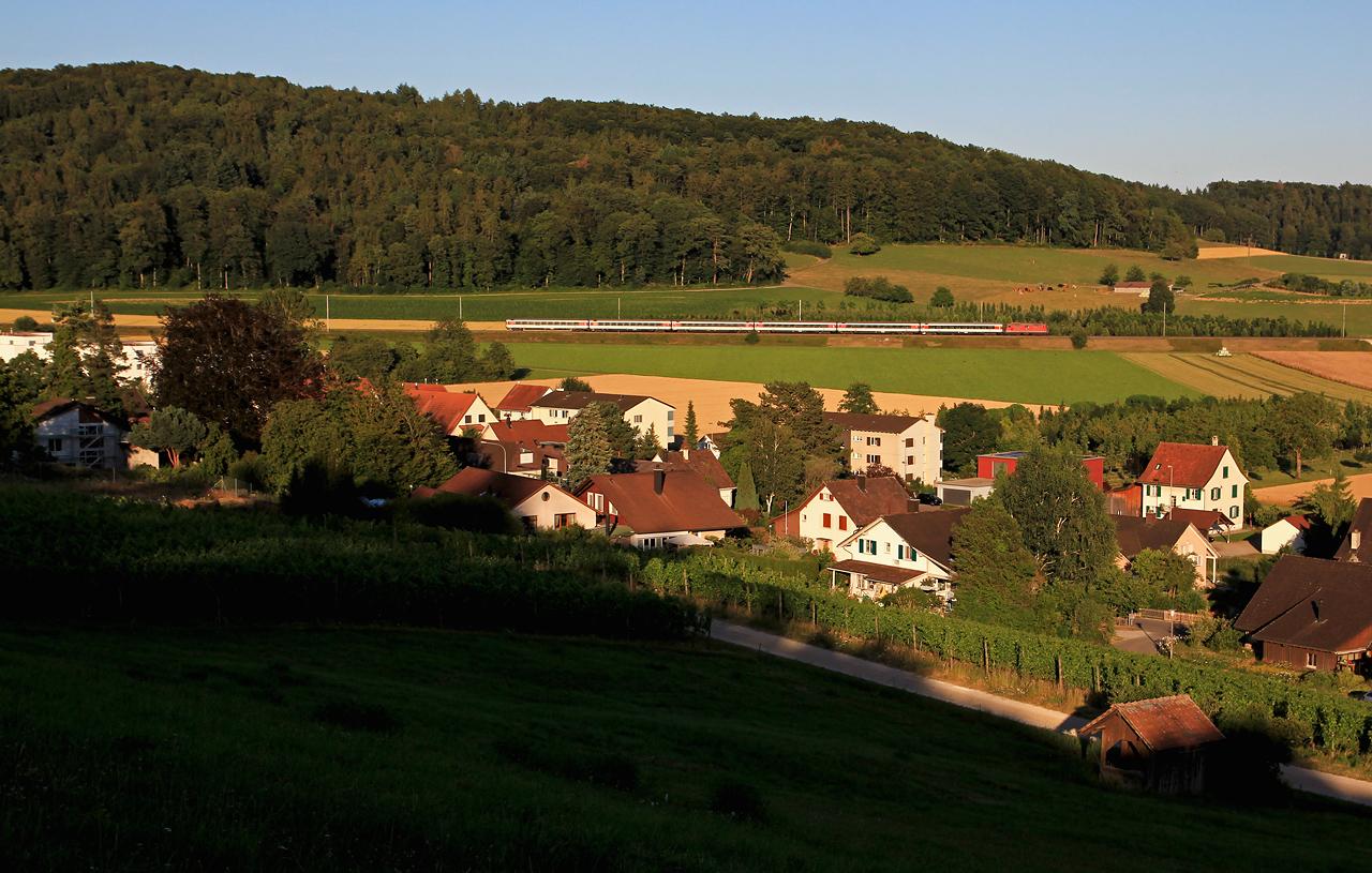 http://www.badische-schwarzwaldbahn.de/DSO/B669.jpg
