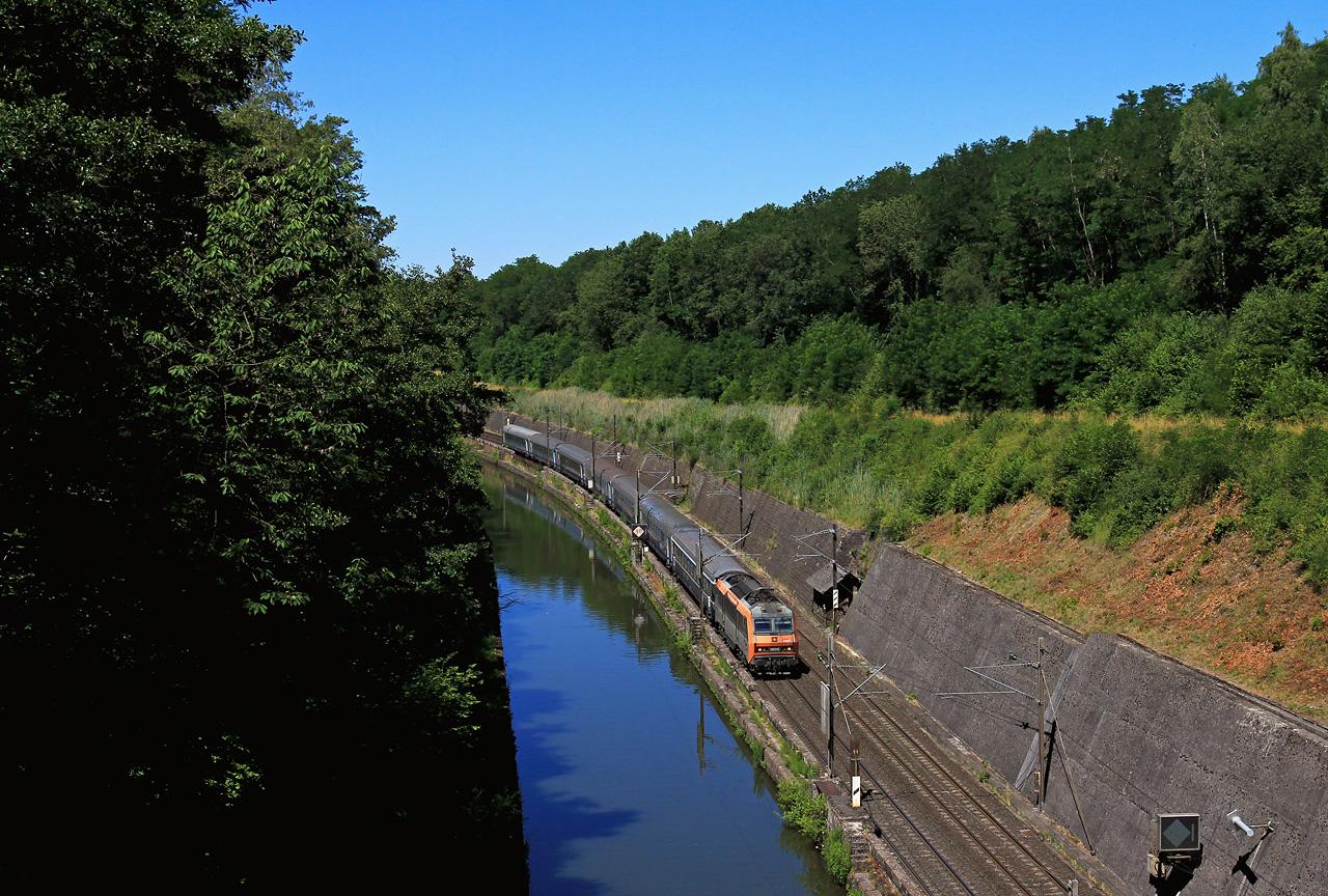 http://www.badische-schwarzwaldbahn.de/DSO/B698.jpg