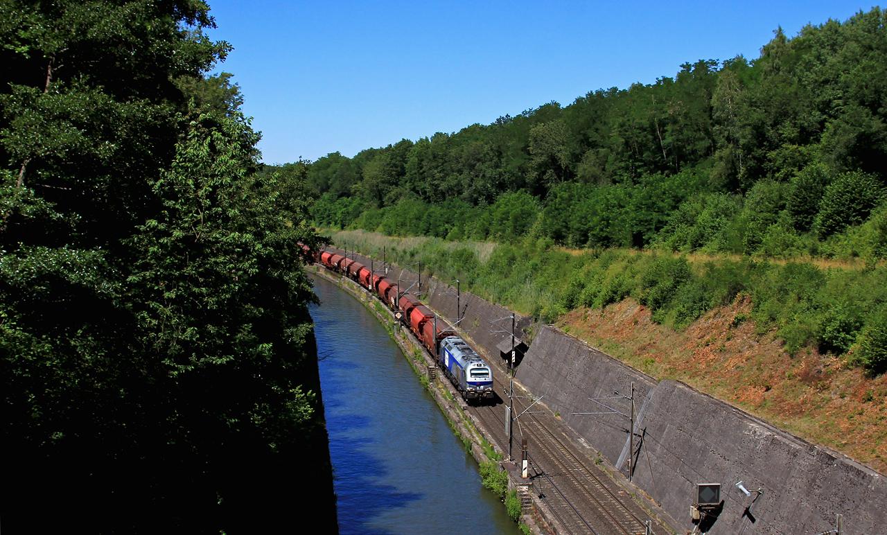 http://www.badische-schwarzwaldbahn.de/DSO/B699.jpg