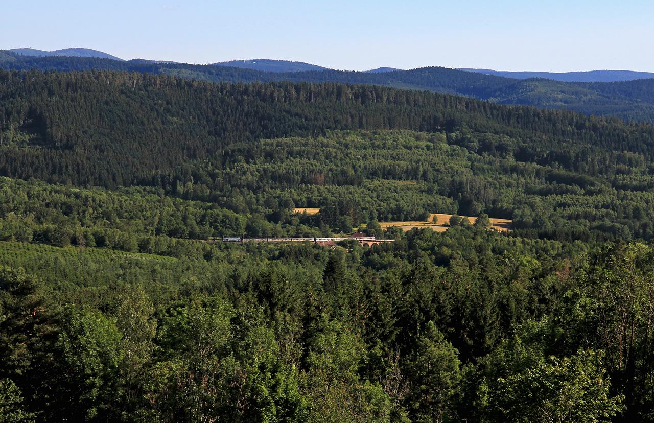 http://www.badische-schwarzwaldbahn.de/DSO/B703.jpg