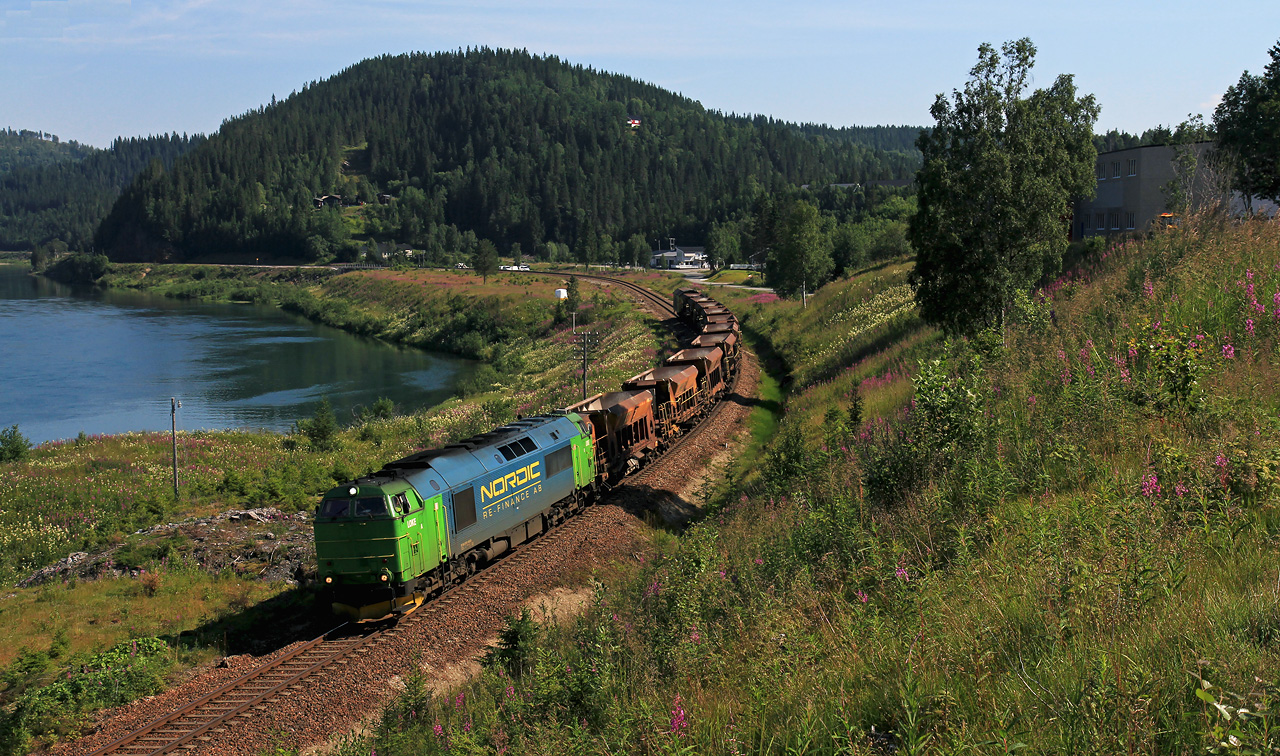 http://www.badische-schwarzwaldbahn.de/DSO/B822.jpg