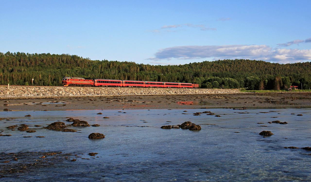 http://www.badische-schwarzwaldbahn.de/DSO/B853.jpg