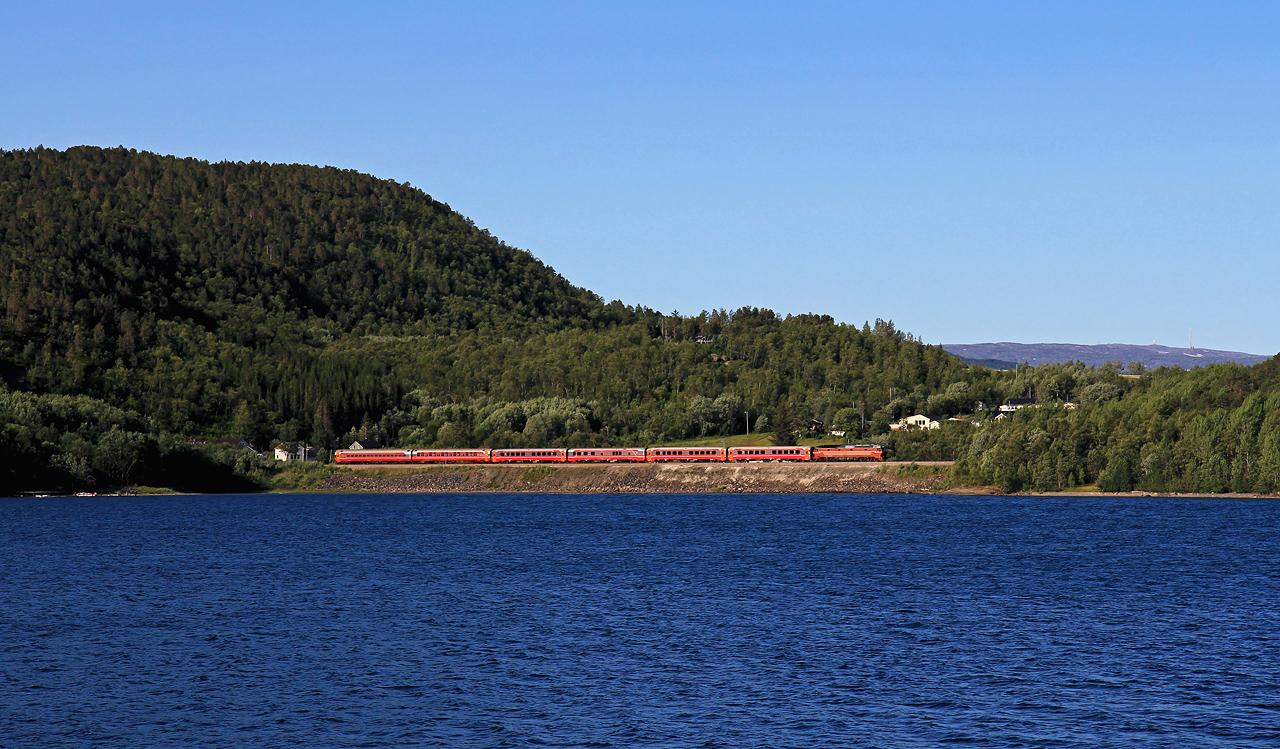 http://www.badische-schwarzwaldbahn.de/DSO/B861.jpg