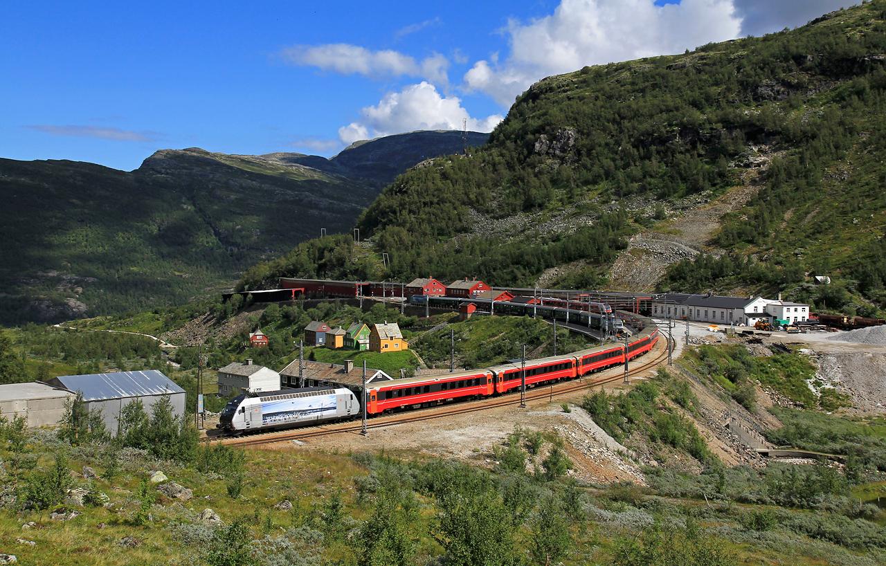 http://www.badische-schwarzwaldbahn.de/DSO/B893.jpg