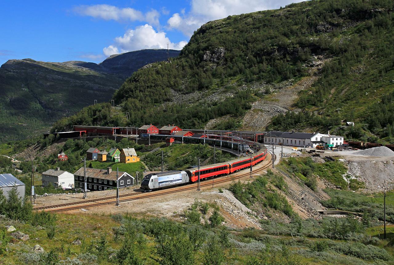 http://www.badische-schwarzwaldbahn.de/DSO/B893x.jpg