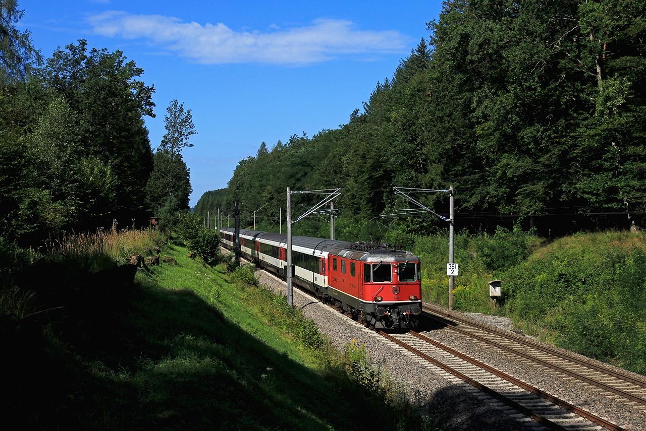 http://www.badische-schwarzwaldbahn.de/DSO/B904.jpg