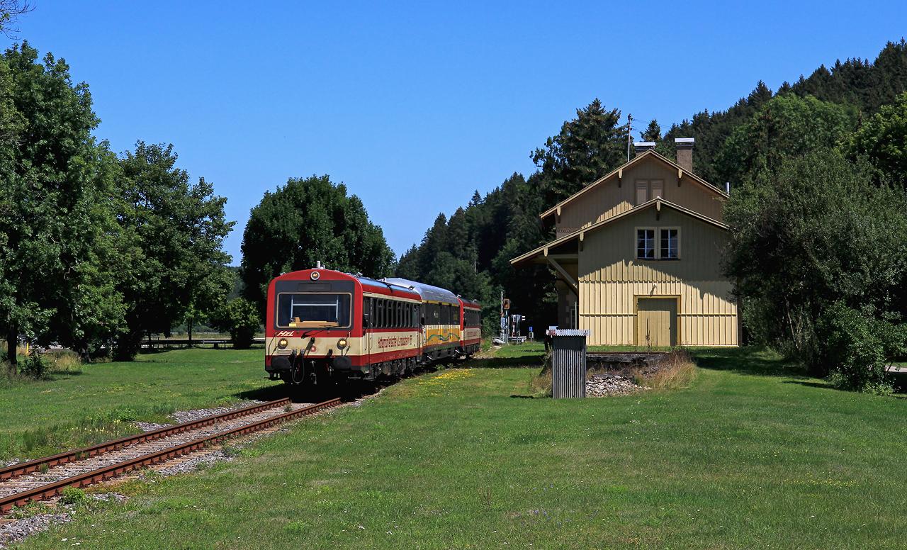 http://www.badische-schwarzwaldbahn.de/DSO/B910.jpg