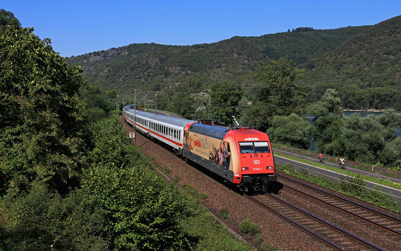 http://www.badische-schwarzwaldbahn.de/DSO/B953.jpg