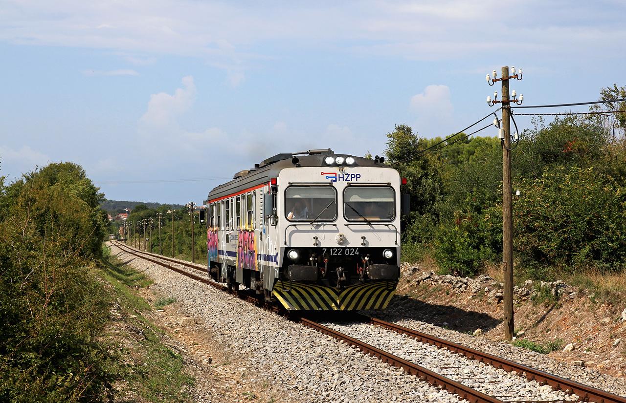 http://www.badische-schwarzwaldbahn.de/DSO/E102.jpg