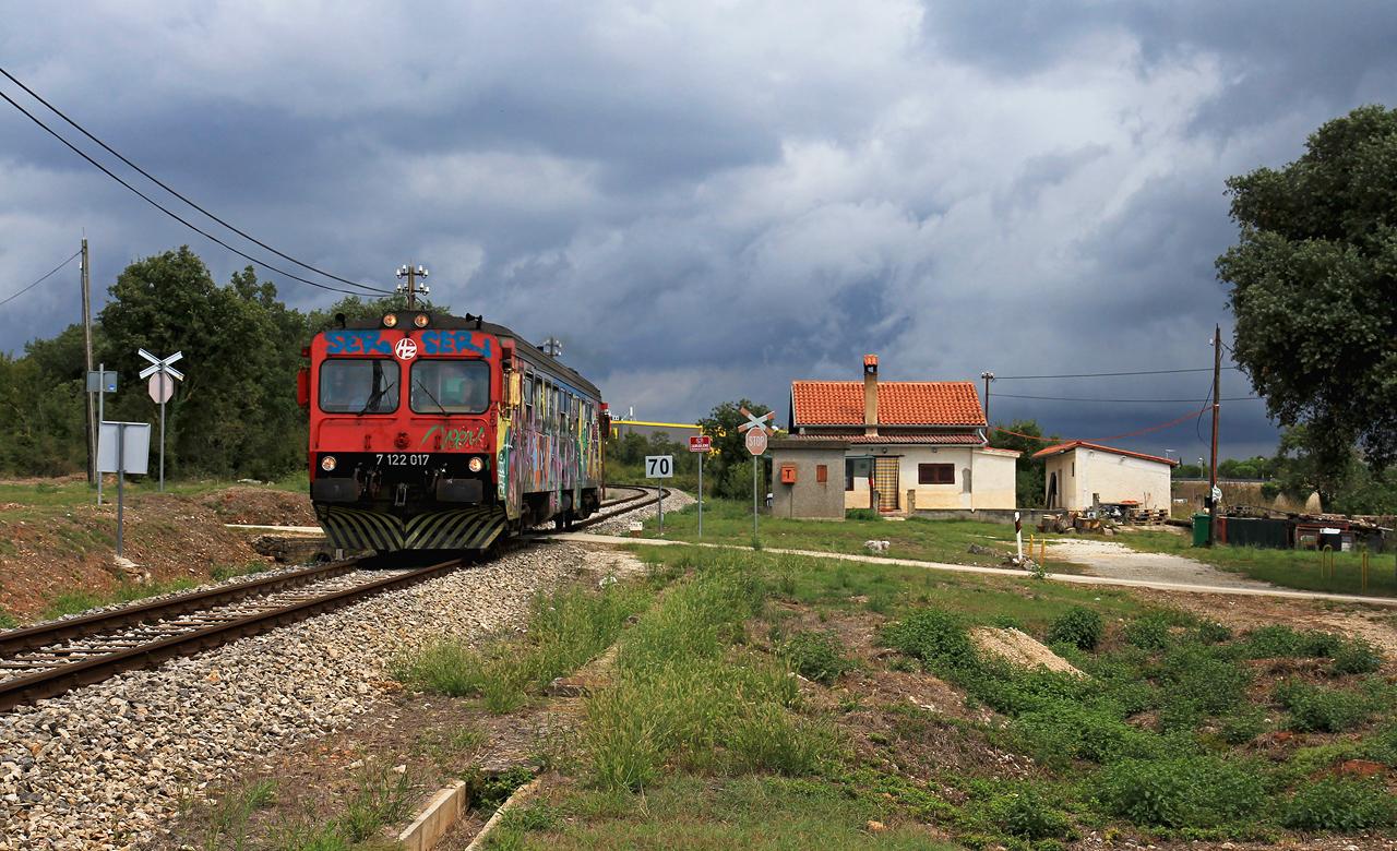 http://www.badische-schwarzwaldbahn.de/DSO/E103.jpg