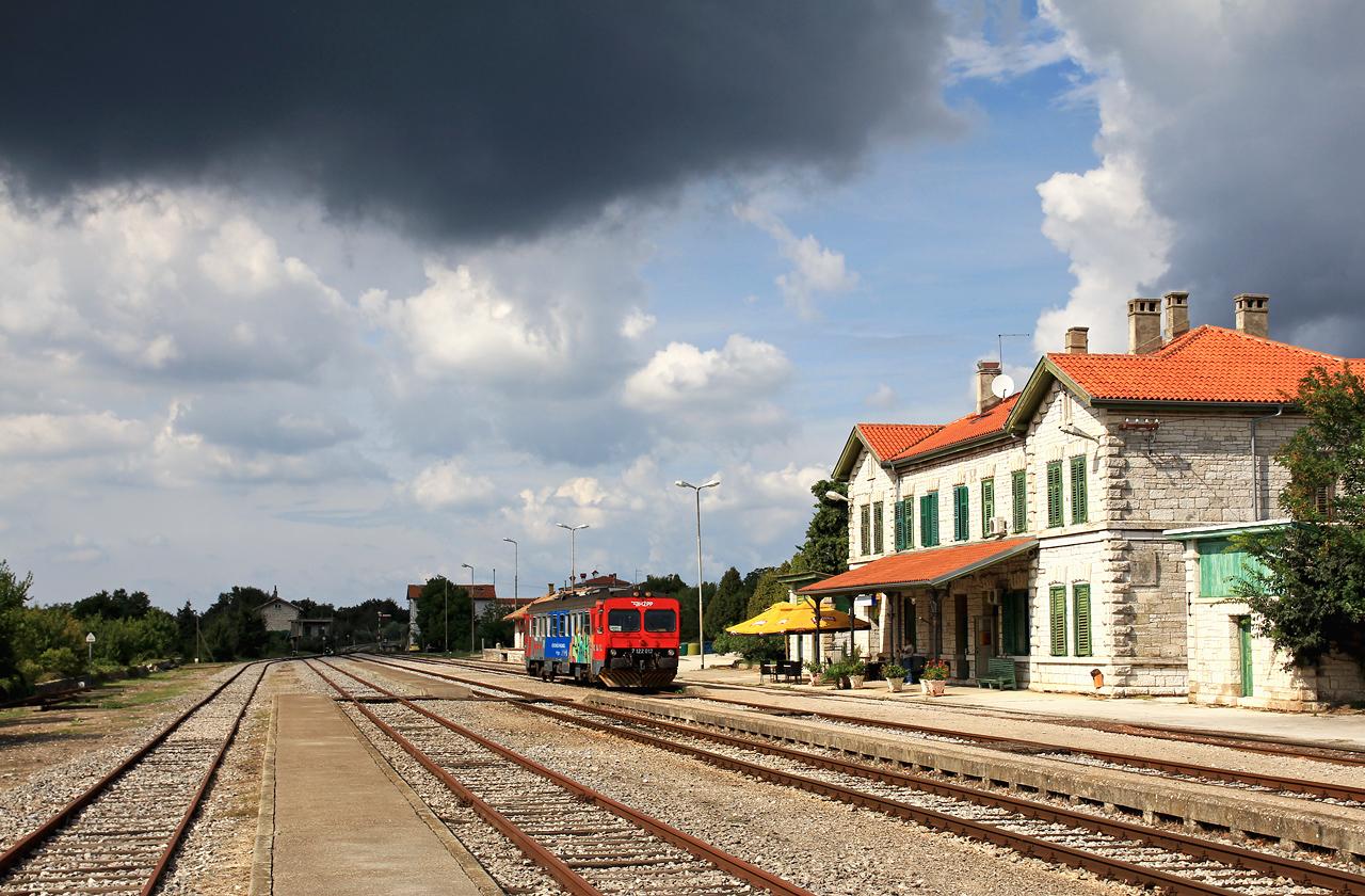http://www.badische-schwarzwaldbahn.de/DSO/E105.jpg