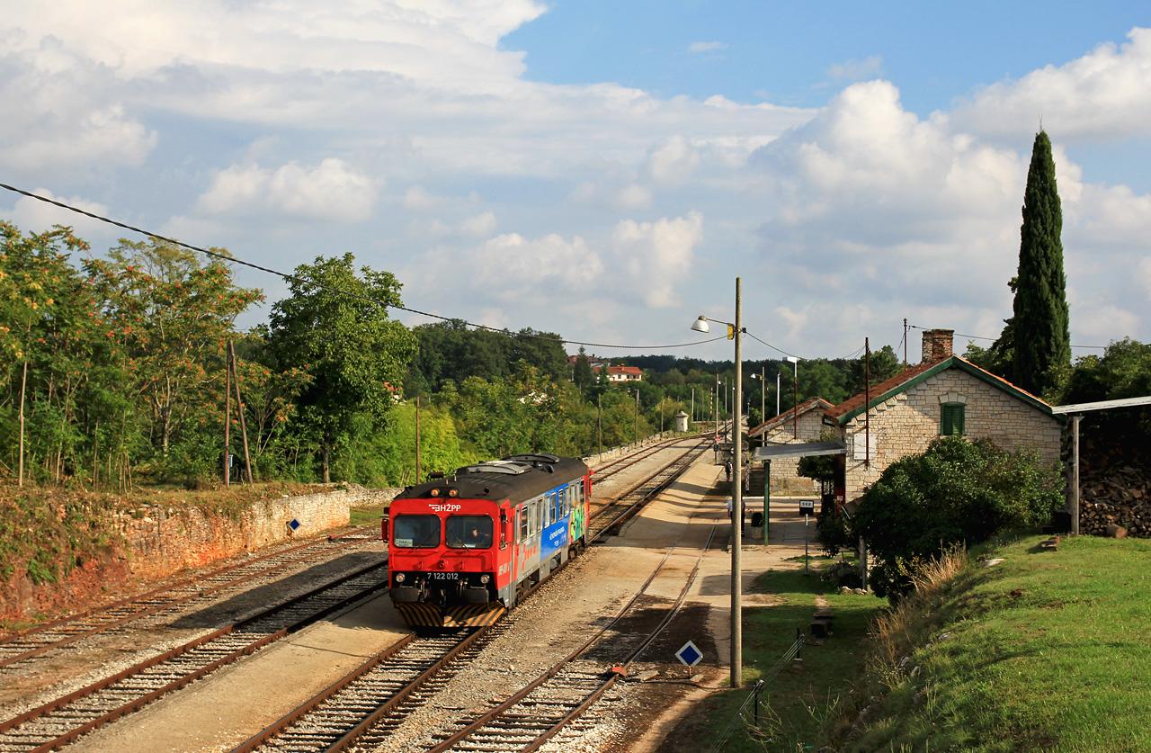 http://www.badische-schwarzwaldbahn.de/DSO/E106.jpg