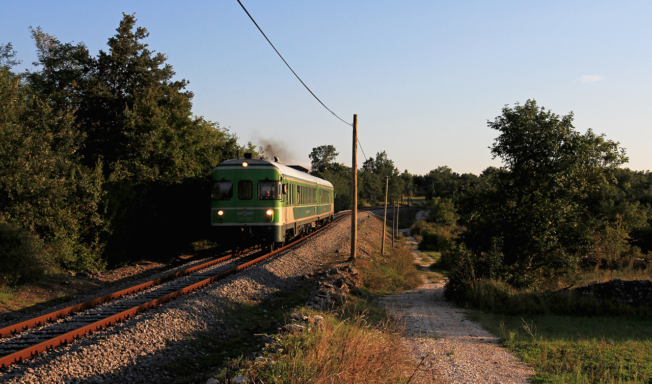 http://www.badische-schwarzwaldbahn.de/DSO/E109.jpg