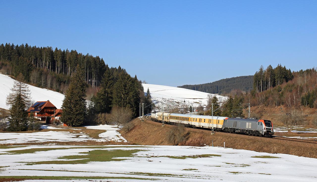 http://www.badische-schwarzwaldbahn.de/DSO/E73.jpg