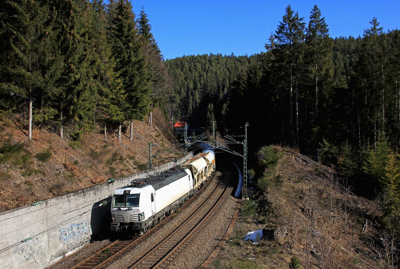 http://www.badische-schwarzwaldbahn.de/DSO/E74.jpg