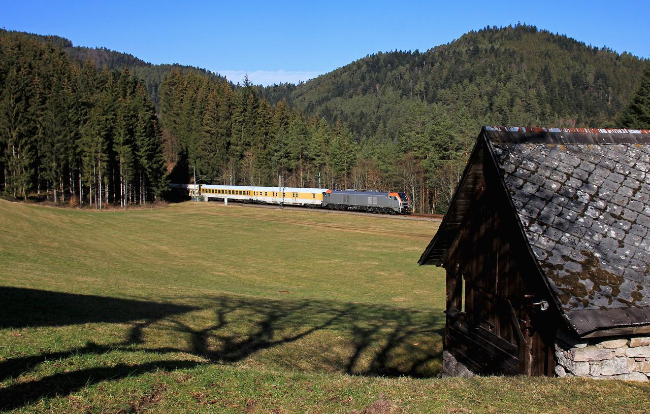 http://www.badische-schwarzwaldbahn.de/DSO/E75.jpg