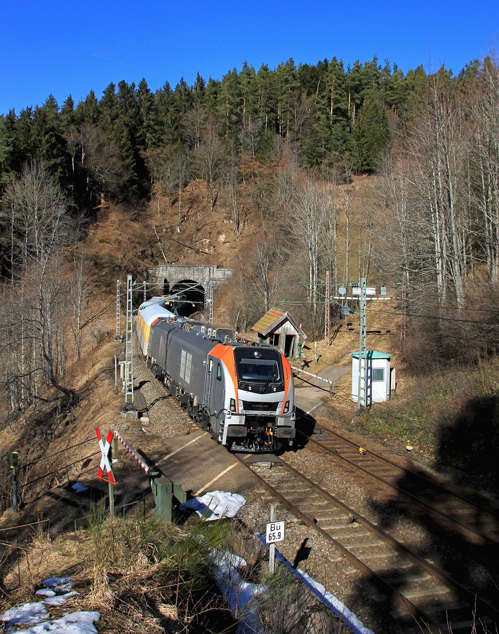 http://www.badische-schwarzwaldbahn.de/DSO/E76.jpg