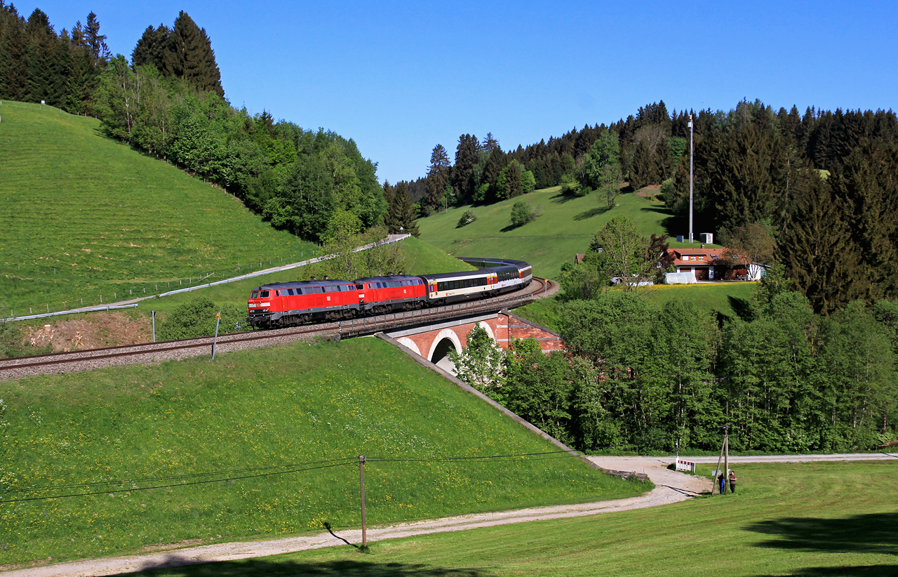 http://www.badische-schwarzwaldbahn.de/DSO/EC27.jpg