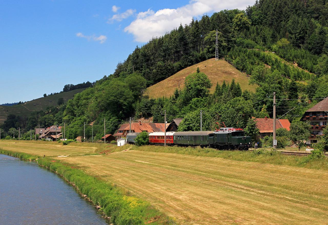 http://www.badische-schwarzwaldbahn.de/DSO/G200.jpg
