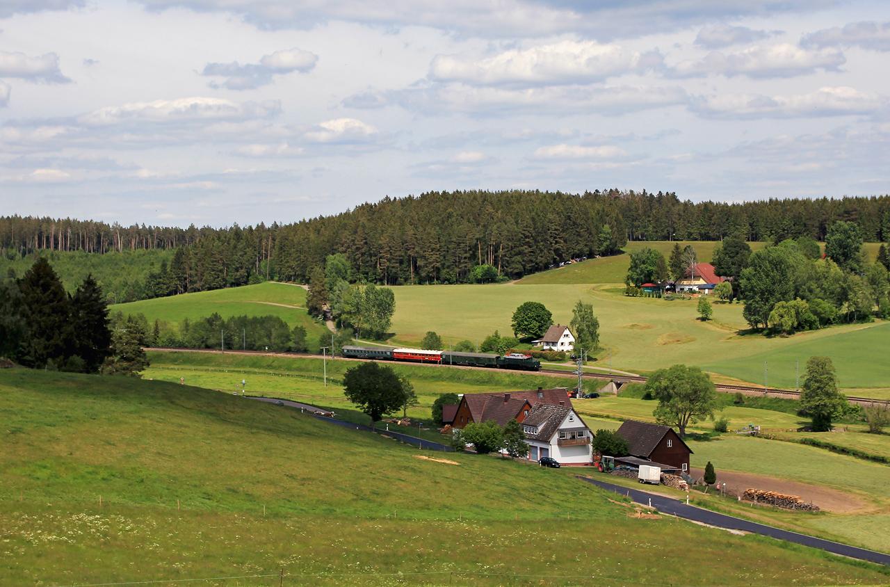 http://www.badische-schwarzwaldbahn.de/DSO/G202.jpg