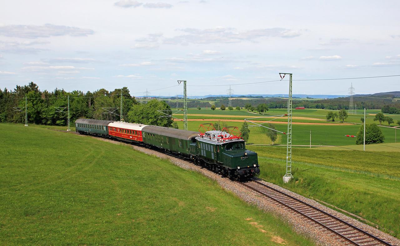 http://www.badische-schwarzwaldbahn.de/DSO/G204.jpg