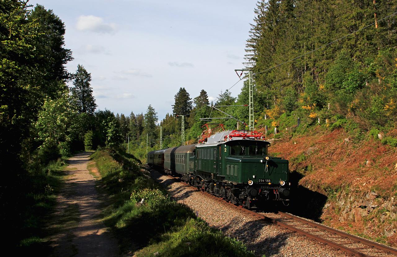 http://www.badische-schwarzwaldbahn.de/DSO/G207.jpg