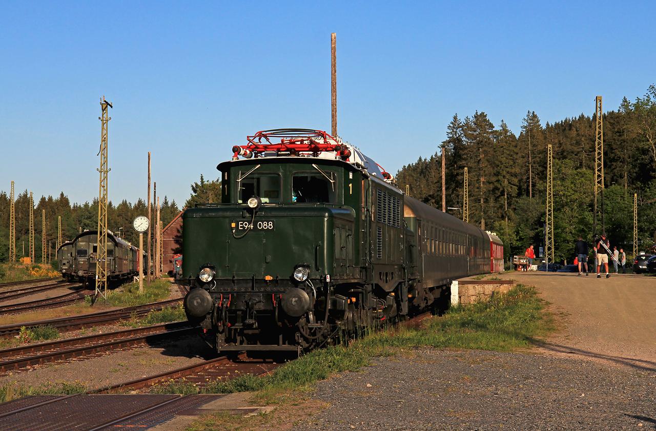 http://www.badische-schwarzwaldbahn.de/DSO/G209.jpg