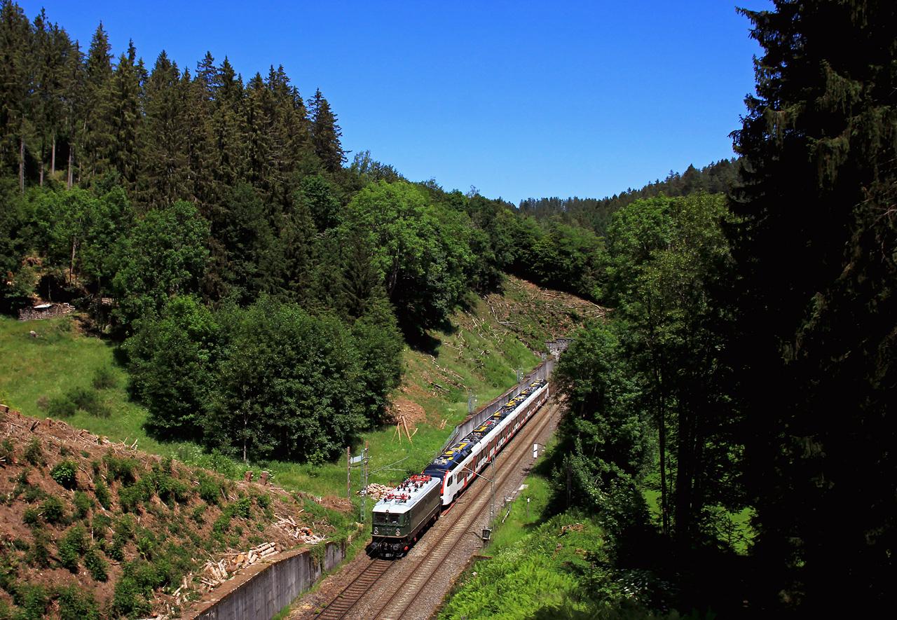 http://www.badische-schwarzwaldbahn.de/DSO/G230.jpg