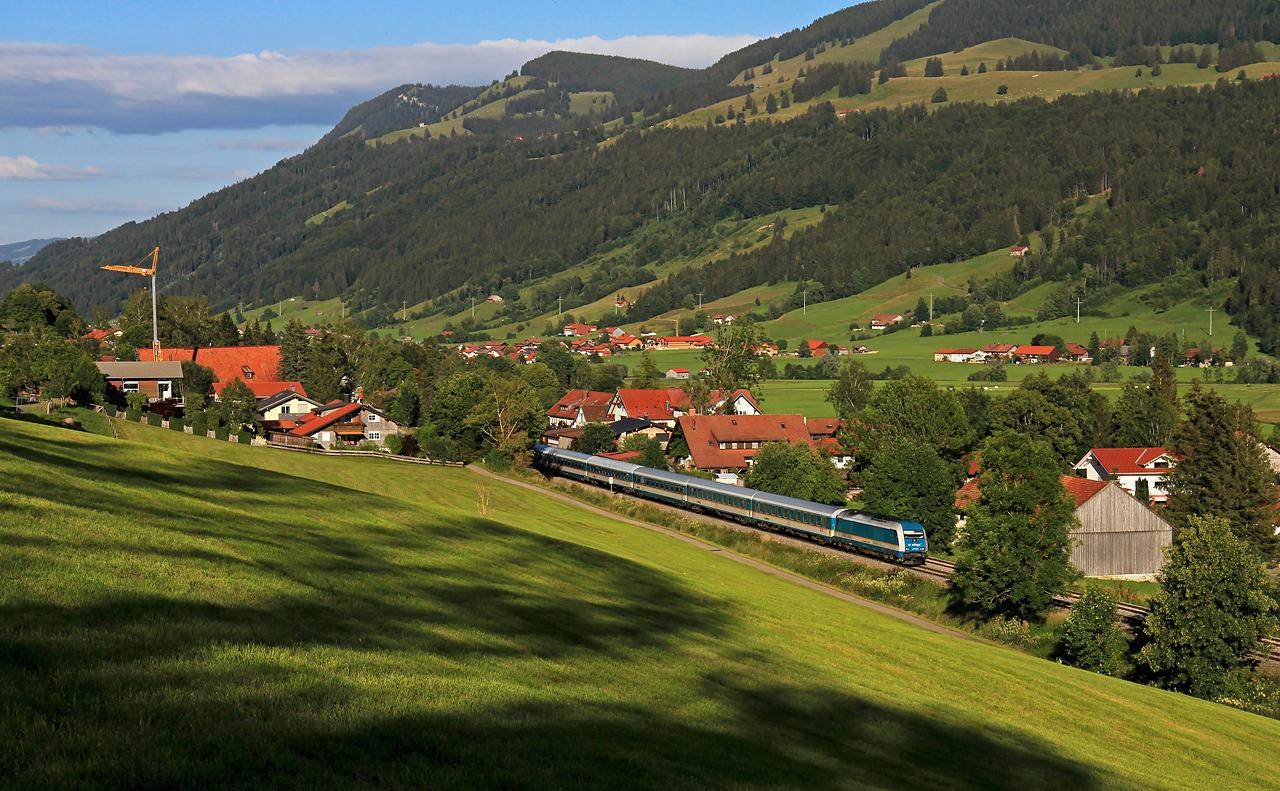 http://www.badische-schwarzwaldbahn.de/DSO/G272.jpg