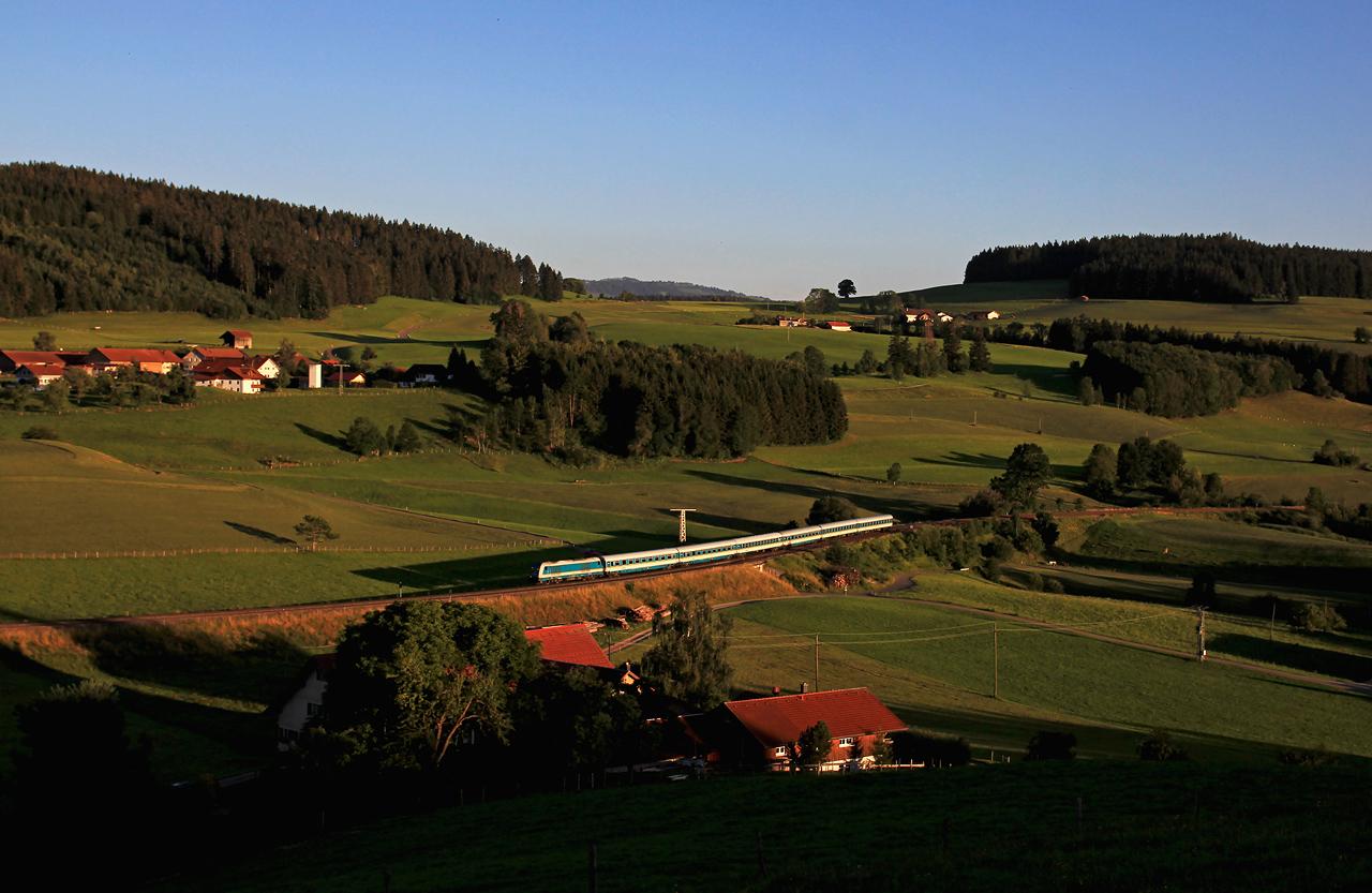 http://www.badische-schwarzwaldbahn.de/DSO/G275.jpg