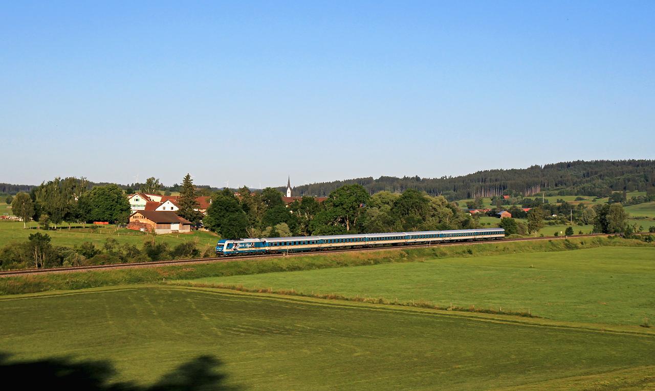 http://www.badische-schwarzwaldbahn.de/DSO/G279.jpg