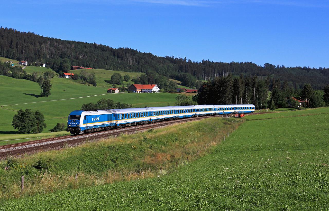 http://www.badische-schwarzwaldbahn.de/DSO/G283.jpg