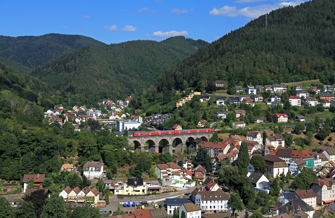 http://www.badische-schwarzwaldbahn.de/DSO/G308.jpg
