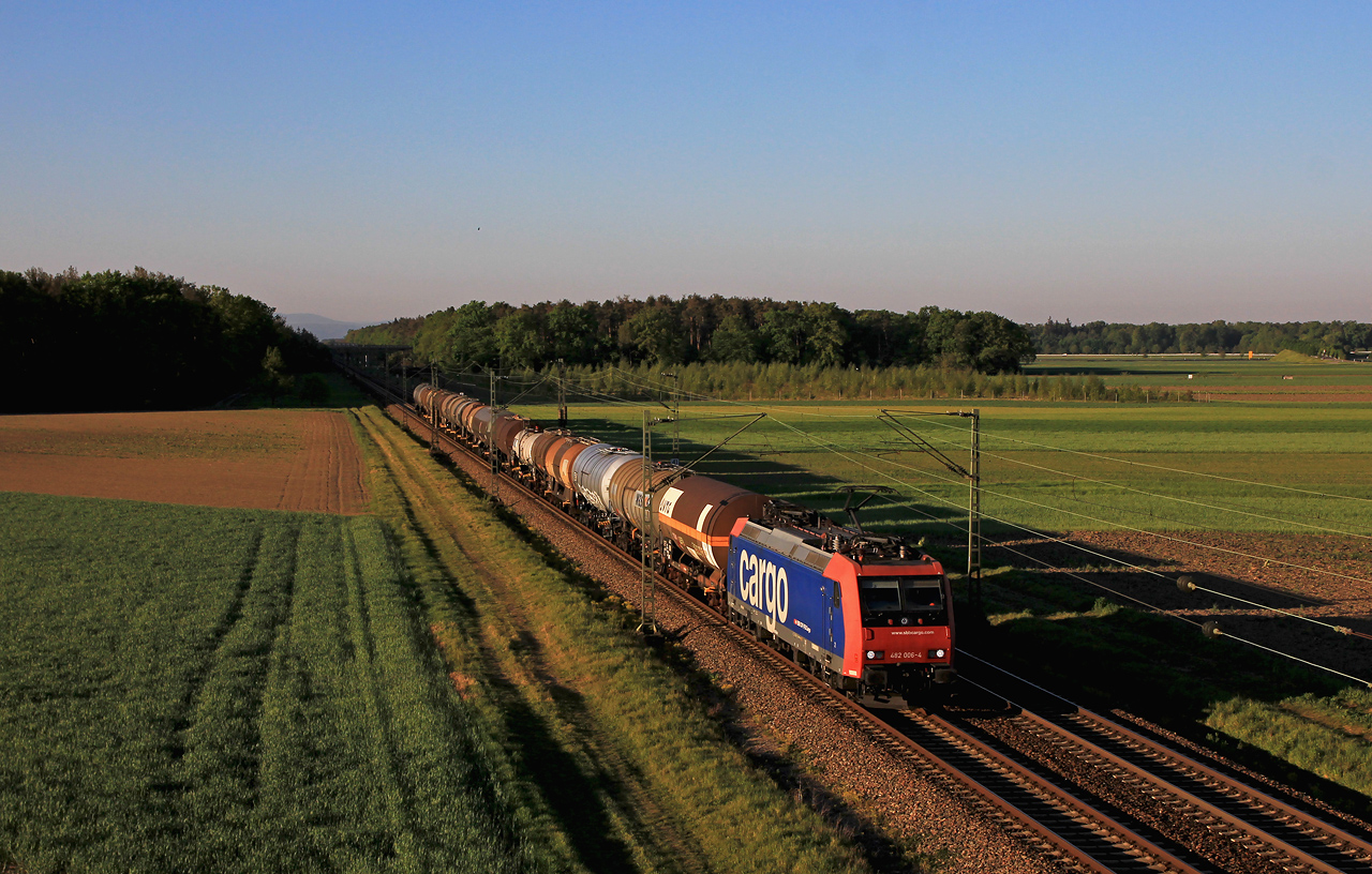 http://www.badische-schwarzwaldbahn.de/DSO/G435.jpg