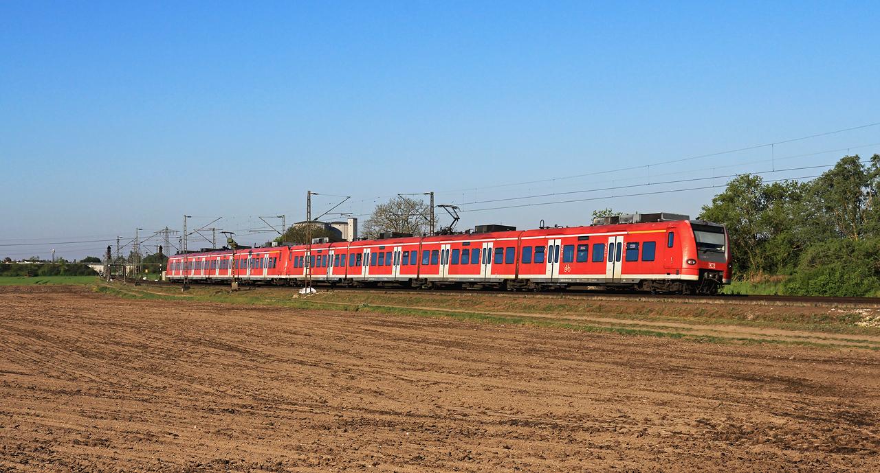 http://www.badische-schwarzwaldbahn.de/DSO/G438.jpg