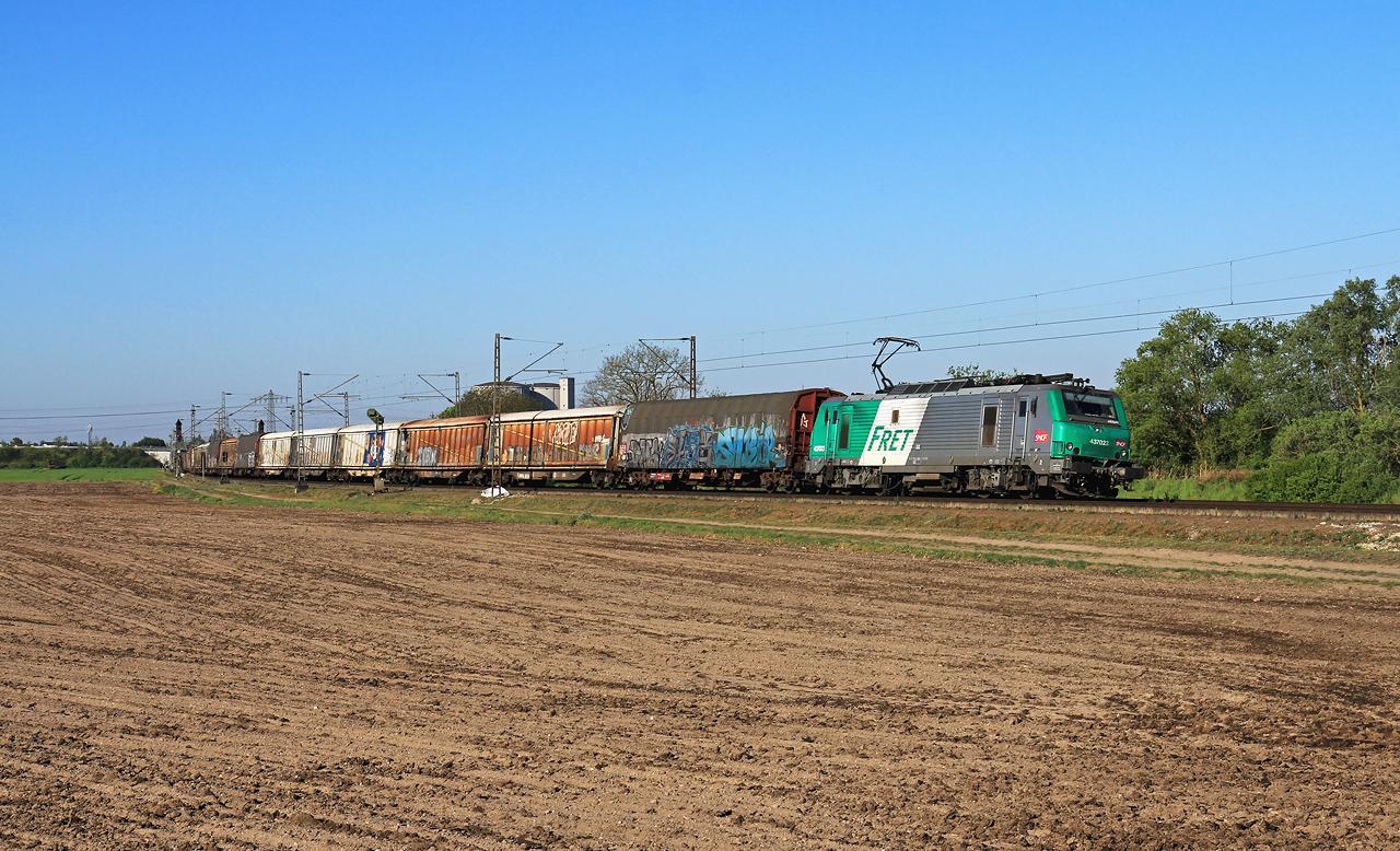 http://www.badische-schwarzwaldbahn.de/DSO/G440.jpg