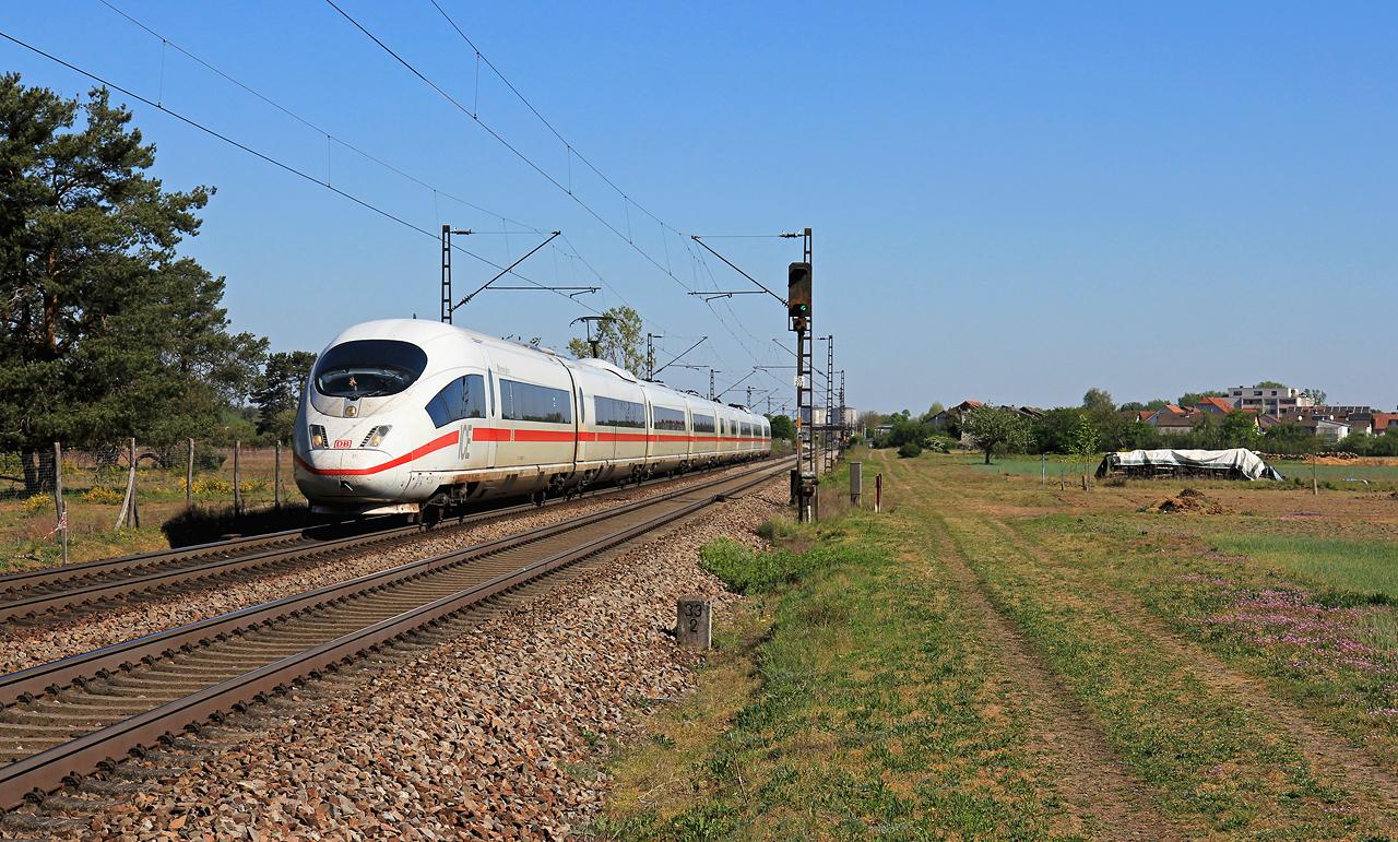 http://www.badische-schwarzwaldbahn.de/DSO/G446.jpg