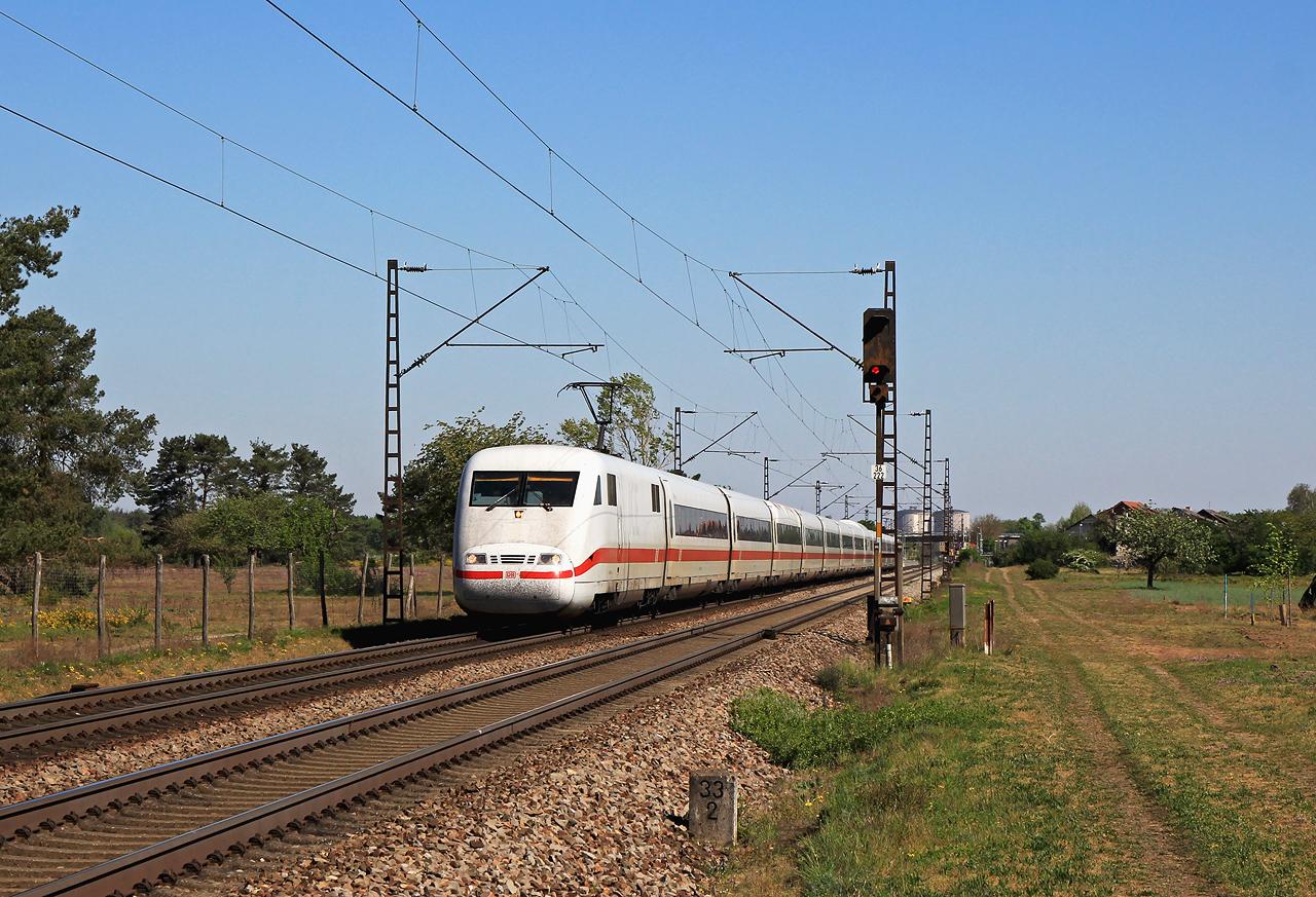 http://www.badische-schwarzwaldbahn.de/DSO/G448.jpg